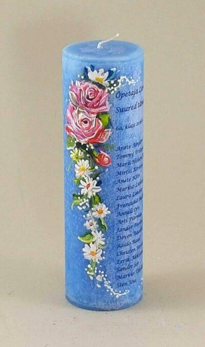 Maalitud küünal õpetajale lillede ja nimedega