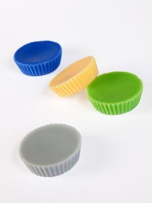 kollane, roheline ja sinine ja hall rapsivahast aroomivaha tablett