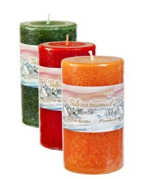 """Võhma Valgusevabriku talvine valik 7x12cm suuruses oranži, punast ja rohelist värvi aroomiküünlaid """"Talvearoomid"""""""