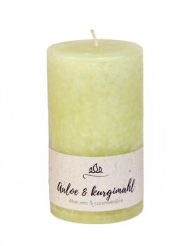 Scented candle Aloe and cucumber juice  A mixture of light healing aloe and fresh juicy cucumber. Very mild fragrance!